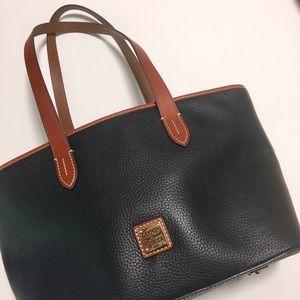 Dooney& Bourke shopper tote leather purse